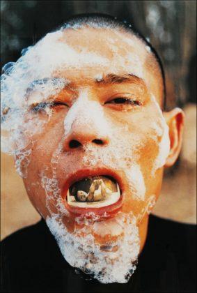Zhang Huan: Foam (1). 1998 © Zhang Huan