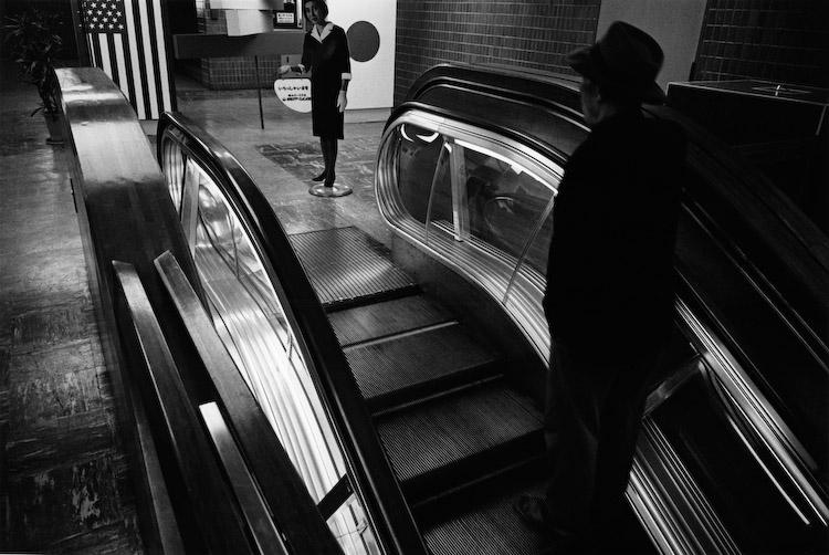Yutaka Takanashi: Shinjuku Station Building, Shinjuku-ku, March 21, 1965 ©Yutaka Takanashi
